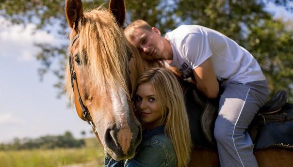Прогулка на лошадях для двоих в конном клубе Петергоф