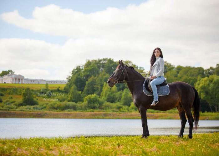 Прогулка верхом, покататься на лошадях