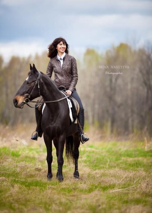 Прогулка верхом на лошади